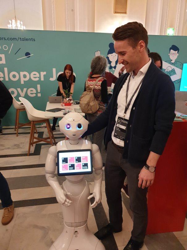 Roboter mit Mann